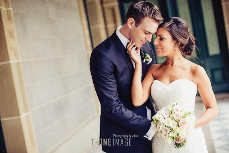Vanessa & Luke's Wedding @ The Mansion Hotel VIC Melbourne wedding photography t-one image